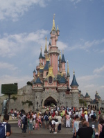 Disneyland_paris_castle